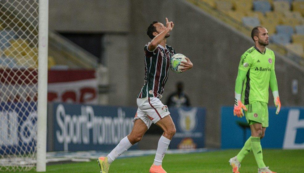 Com dois gols de pênalti de Nenê, Fluminense vence o Internacional no Brasileiro