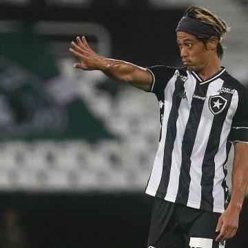 Botafogo enfrenta líder Atlético-MG por primeira vitória no Brasileirão e para evitar tabu negativo