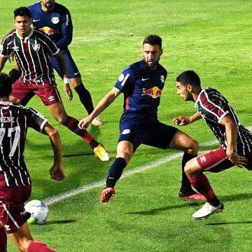 Em noite de erros, Fluminense perde para o Bragantino e desperdiça pontos no Brasileiro