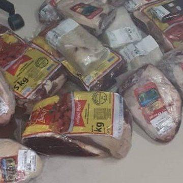 Homem é preso por furtar 50kg de carne em supermercado na Barra