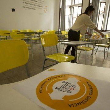 Professores de redes privada e pública do Rio apontam desigualdade no atual modelo de aula online