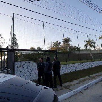 Político de Caxias suspeito de ser chefe de grupo de extermínio é alvo de operação na Baixada