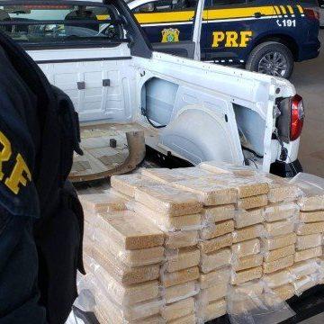 PRF e Polícia Civil apreendem mais de 100 quilos de pasta base de cocaína durante ação na Baixada Fluminense