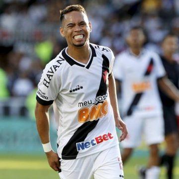 Pikachu não treina e deve desfalcar o Vasco contra o São Paulo; Neto Borges é relacionado