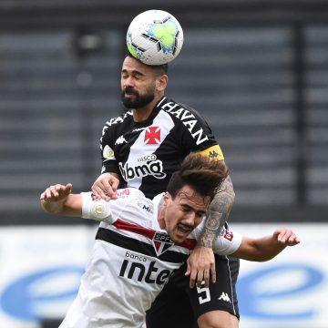 """Castan diz que Pikachu tem crédito no Vasco e aponta caminho para virada sobre o Botafogo: """"Pressionar o tempo todo"""""""