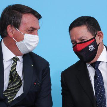 Mourão desagrada a auxiliares de Bolsonaro e é visto como candidato em 2022
