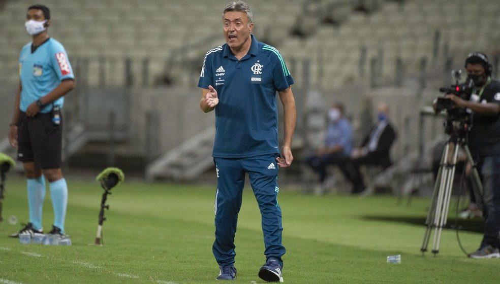 """Domènec Torrent lamenta derrota do Flamengo: """"Em cinco minutos o jogo nos escapou"""""""