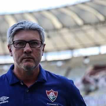 """Odair parabeniza Fluminense pela vitória e diz: """"Placar poderia até ter sido um pouquinho maior"""""""
