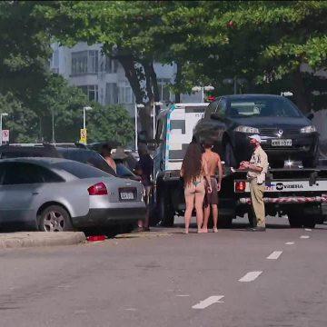 Carros são rebocados da orla do Rio pela prefeitura; apenas moradores podem estacionar próximo às praias