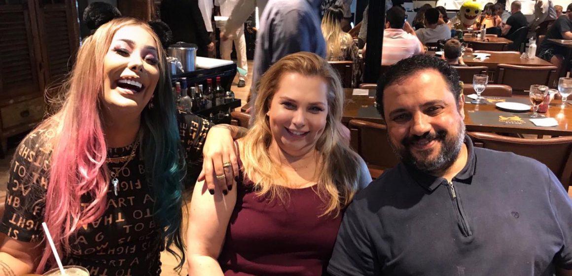 MC Trans e recebida no Rio pelo Cirurgião Plastico Aurilio Luis!