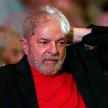Lava Jato denuncia ex-presidente Lula por lavagem de dinheiro