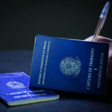 Taxa de desemprego atinge 13,8% e falta trabalho para 32,9 milhões de brasileiros, aponta IBGE
