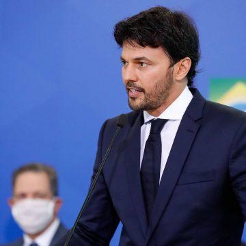 Fábio Faria confirma desejo de privatizar Correios e fala em interesse de cinco empresas