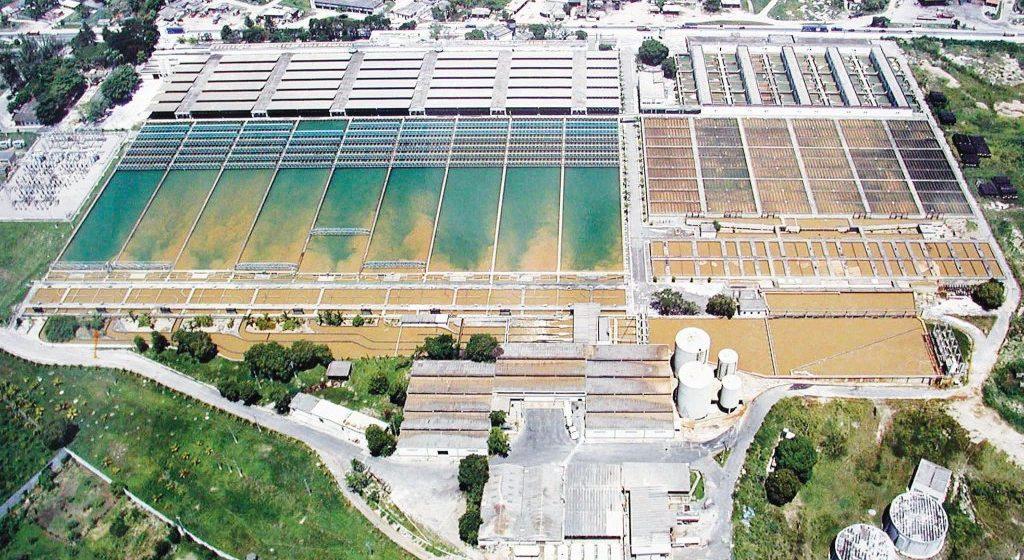 Manutenção da estação do Guandu atrasa oito horas e moradores reclamam de falta d'água