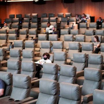 Em protesto, cinemas e teatros do Rio decidem não reabrir nesta segunda-feira