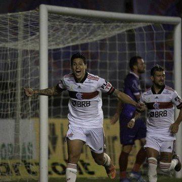 Flamengo faz melhor jogo pós-paralisação, goleia o Bahia e já aparece entre os líderes