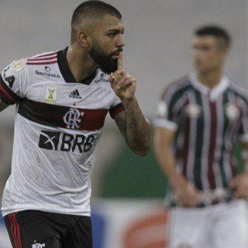 Flamengo domina Fluminense, vence clássico e emplaca 4ª vitória seguida no Brasileiro