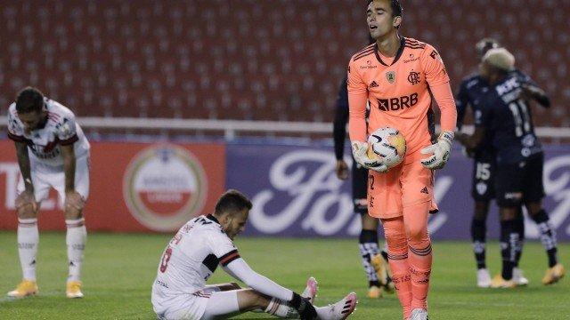 Flamengo sofre a maior derrota na história da Libertadores; e Dome, a de sua carreira como treinador