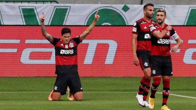 Quarteto lidera garotada e Flamengo empata com o Palmeiras em jogo quase adiado