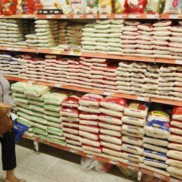 Especialistas dão dicas para economizar em meio à alta de preços nos supermercados