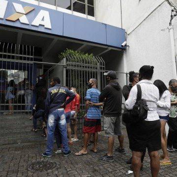 Caixa começa a pagar parcela de R$ 300 do auxílio emergencial na semana que vem