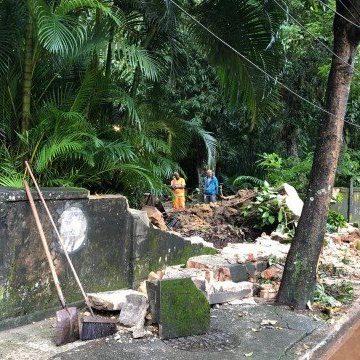 Alagamentos e interdições de vias marcam o dia seguinte das chuvas no Rio