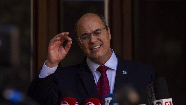 PGR quer que Wilson Witzel e outros 11 denunciados paguem indenização de R$ 100 milhões por suposto esquema de corrupção