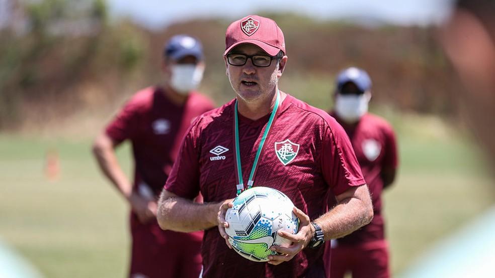 Fluminense abre conversas para renovação com Odair Hellmann e oferece contrato até fim de 2021