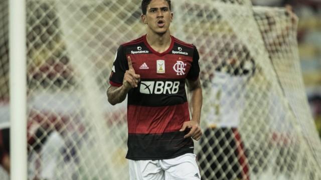 Flamengo supera ausência de convocados e vence Sport liderado pelo brilho de Pedro