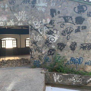 Milicianos do bando de Ecko expulsam moradores para revender casas na Zona Oeste do Rio