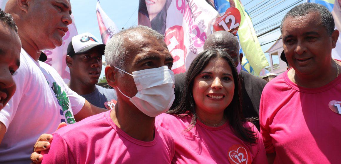 Fernanda Ontiveros recebe apoio do Senador Romário que faz caminhada en Japeri