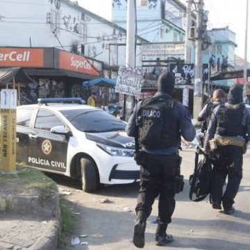 Polícia Civil realiza megaoperação no Complexo da Maré