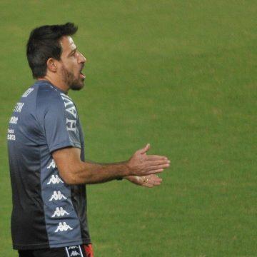 """Ramon vê cobranças exageradas, mas admite momento ruim do Vasco: """"Não é normal"""""""