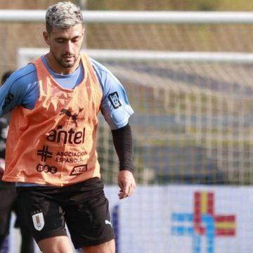 Arrascaeta sofre lesão na coxa durante treino e desfalca Uruguai nas eliminatórias