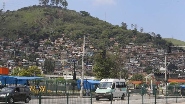 Confronto no Morro do Juramento deixa três mortos e uma adolescente ferida