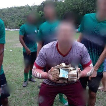 Polícia investiga origem de dinheiro de premiação de campeonato de futebol amador em São Gonçalo, RJ