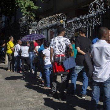 Desemprego sobe para 14,4% em agosto, recorde histórico para o indicador