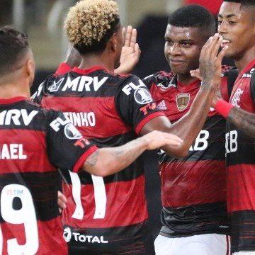 Bruno Henrique elogia elenco do Flamengo após vitória contra Junior: 'Quem entra, dá conta do recado'