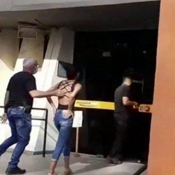 Mulher é presa suspeita de envenenar os dois filhos com chumbinho