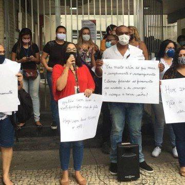 Funcionários concursados e terceirizados protestam contra fechamento do Hospital de Bonsucesso