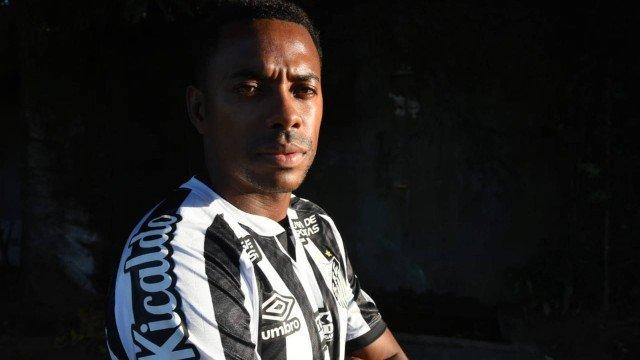 Santos e Robinho anunciam suspensão de contrato: 'Se estou atrapalhando, melhor que eu saia'