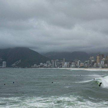 Chuva vai marcar o feriado de Finados no Rio; veja a previsão do tempo