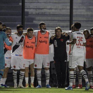 Sá Pinto elogia estreia do Vasco, apesar de derrota: 'Equipe foi a minha imagem, guerreira'