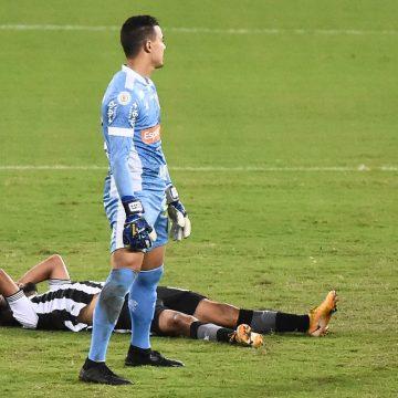 Problemas dentro e fora de campo agravam ambiente de incertezas no Botafogo