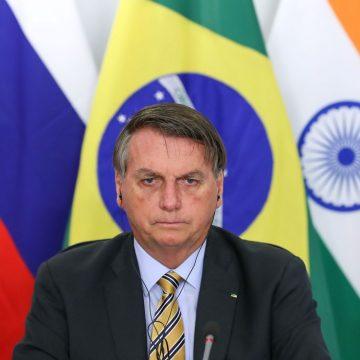 Bolsonaro diz que irá revelar países que compram madeira ilegal da Amazônia