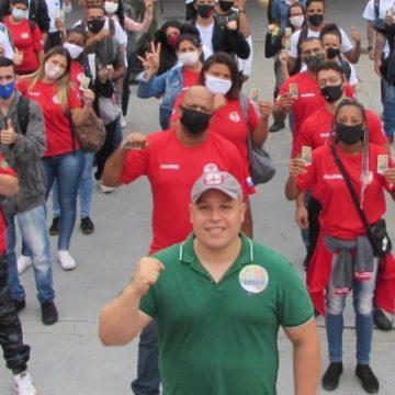 """""""ILUSTRES DESCONHECIDOS: Douglas Vinand apoiador das causas dos bombeiros civis desponta em Nova Iguaçu""""."""