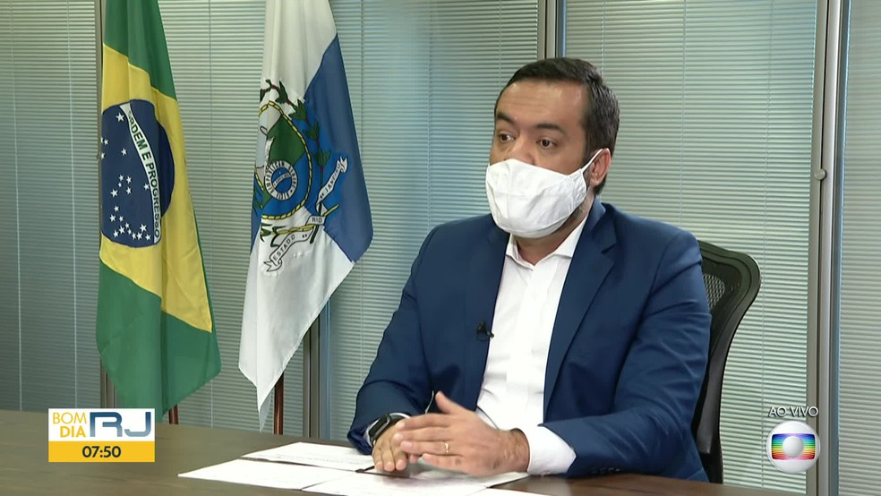 Claudio Castro promete novo plano de segurança para o RJ e garante pagamento do 13° desse ano