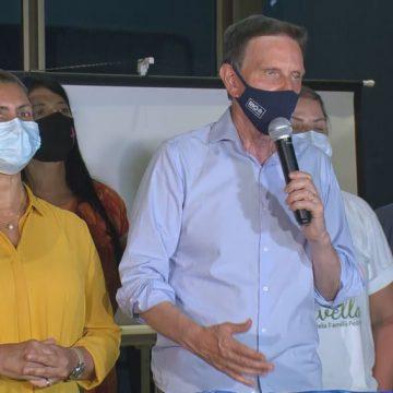 'Tristes sim, mas não somos derrotados', diz Crivella ao perder eleição para Paes