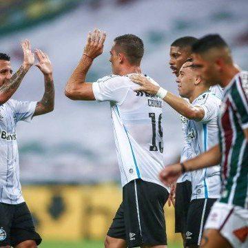 Fluminense perde para o Grêmio e dá adeus à série invicta no Brasileirão