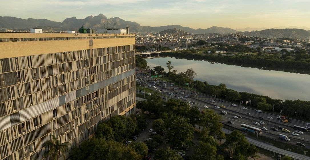 Sinal vermelho: rede pública do Rio tem 15% de seus 639 leitos de UTI para Covid-19 fechados
